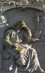 Estátua do tradutor na cidade onde morou, Wissenbourg, na Alsácia