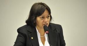A Senadora Fátima Bzerra (PT-RN), é uma defensora do livro e da leitura. dep. Fatima Bezerra  Fotos de Luiz Xavier 19-08-09